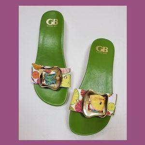 Gold buckle slides